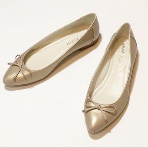 Ann Klein Gold Ballet Flat with Bow Sz 8.5